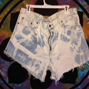 Highwaisted levi shorts